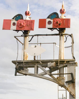 Centrally-balanced signal at Shrewsbury